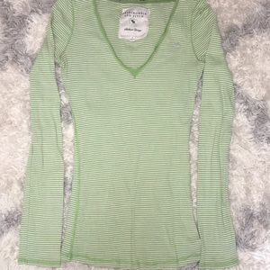Abercrombie & Fitch Long sleeve V-neck shirt